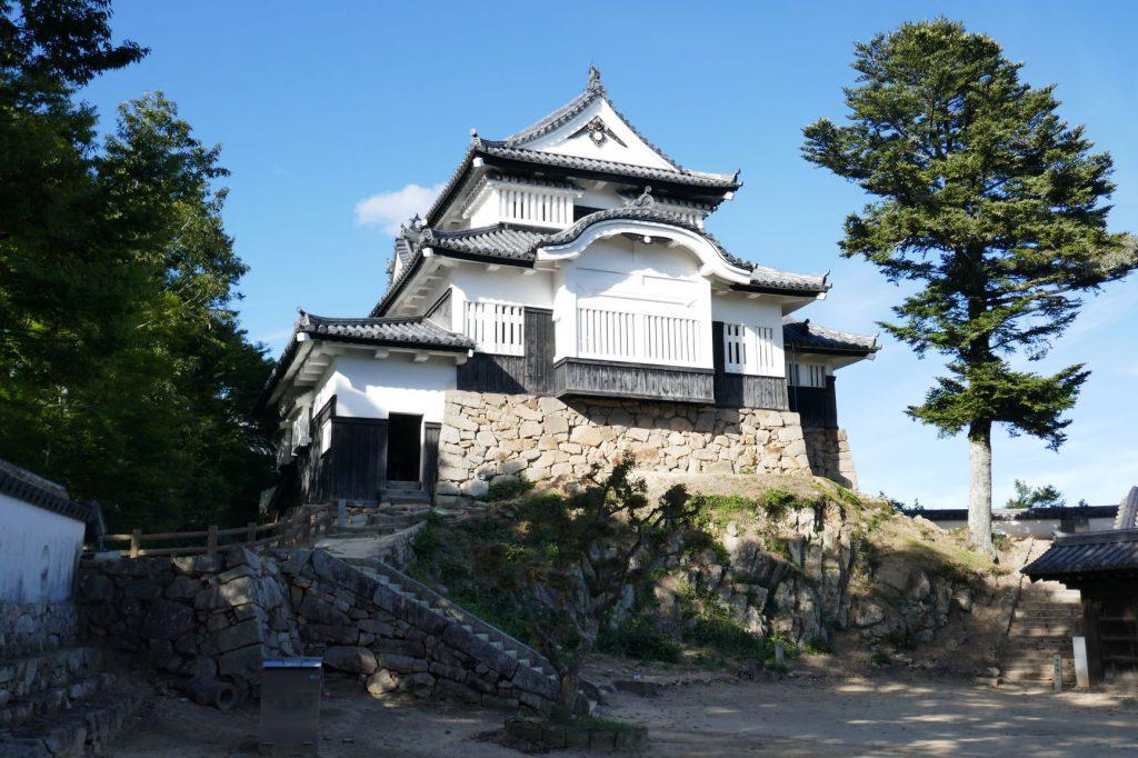 備中松山城は天守閣が現存している日本12城の一つです