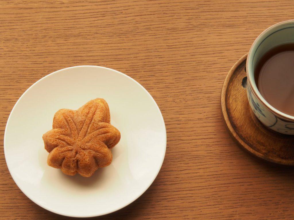 もみじ饅頭とお茶