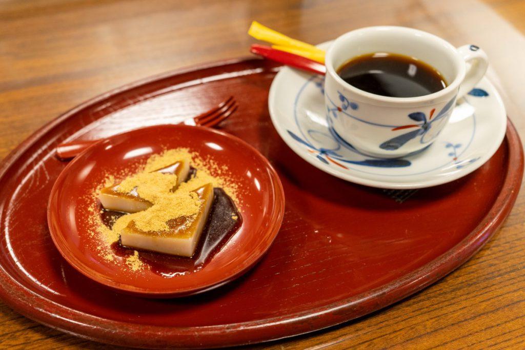 深大寺 雀のお宿のコーヒーと甘味